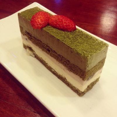 Bánh Tiramisu trà xanh cacao